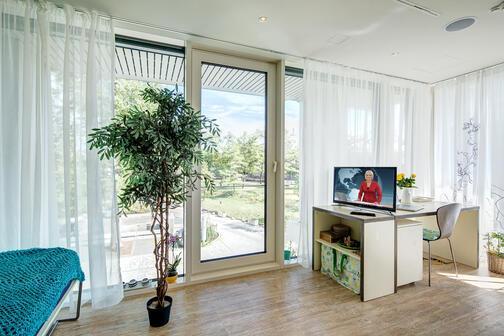 1 camera appartamento ammobiliato servizio concierge monaco olympiadorf 9627. Black Bedroom Furniture Sets. Home Design Ideas