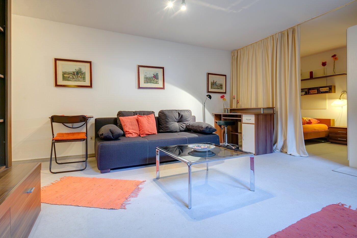 1 5 camere appartamento seminterrato ammobiliato flat for Appartamento di efficienza seminterrato