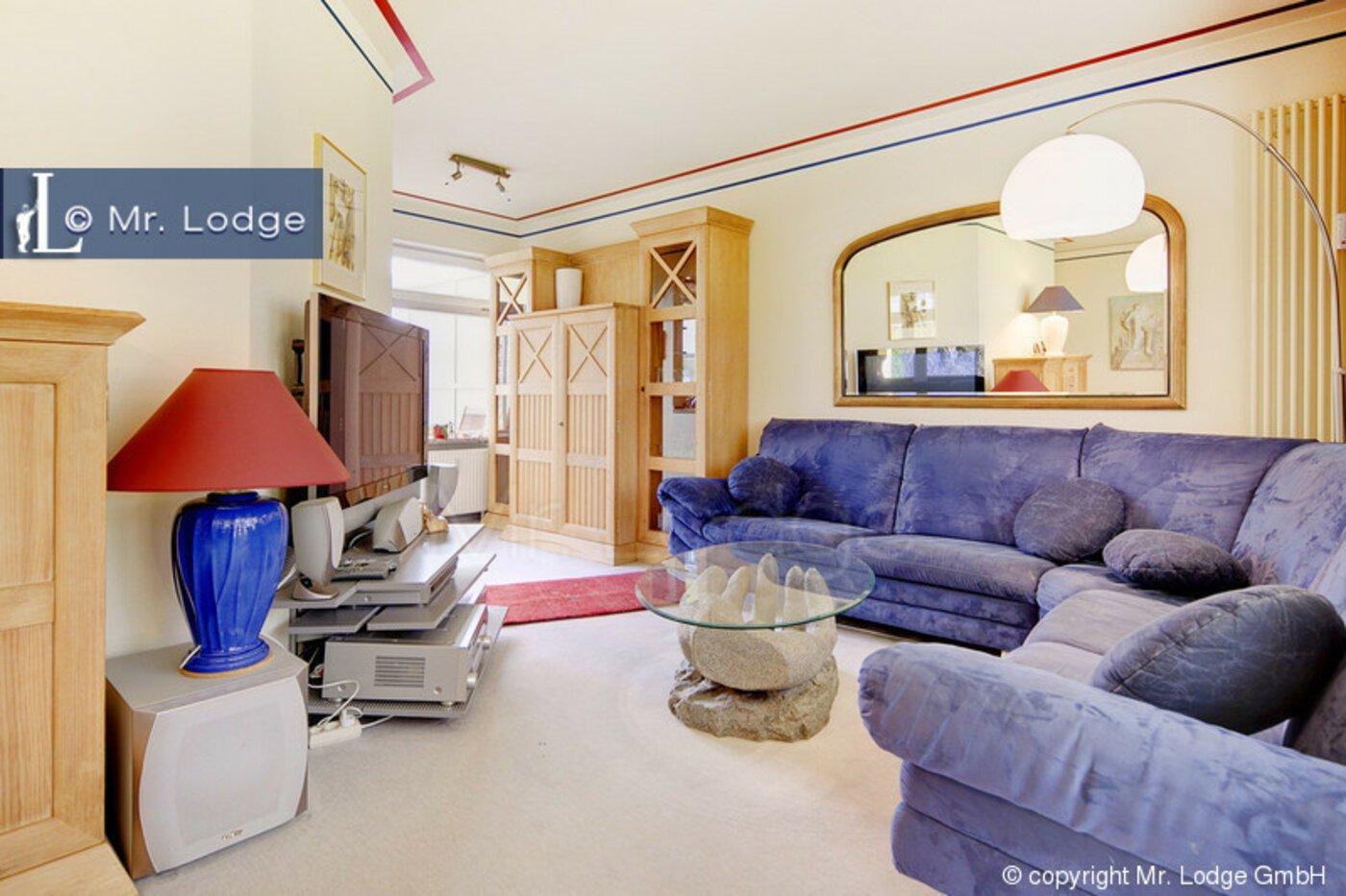 4 zimmer wohnung m bliert gro er flachbildfernseher. Black Bedroom Furniture Sets. Home Design Ideas